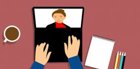 4 Business Etiquette Rules to Follow During Phone and Video Interviews
